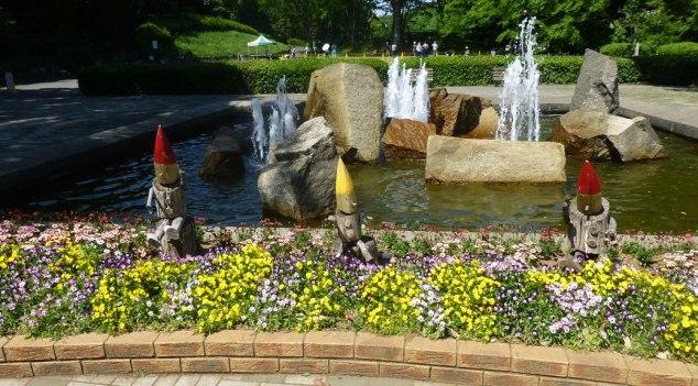 Fountain Gnomes