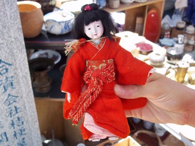 An ichimatsu doll. The current style is modeled on dolls created for the friendship doll exchange between the U.S. and Japan during the 1920s.