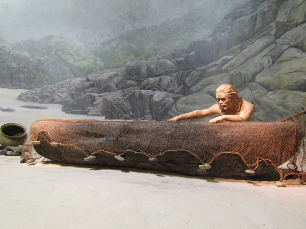 With Hong Kong's role as a major part of the global economic ecosystem, it's easy to overlook the fact that humans have been roaming the islands for 40,000 years. In addition to displaying artifacts like stone tools dating back thousands of years, the museum has also recreated scenes of daily life from the Neolithic era (10,200 BC - 2000 BC).