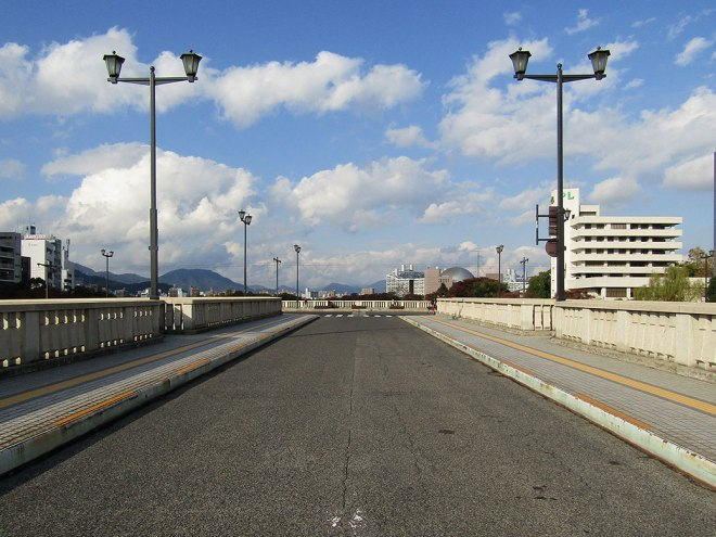 The T-shaped Aioi Bridge as it looks today. The original bridge was damaged heavily by the bomb, but after repairs, it remained in use for another 50 years. In 1983, the current bridge was built as a replica to the original.