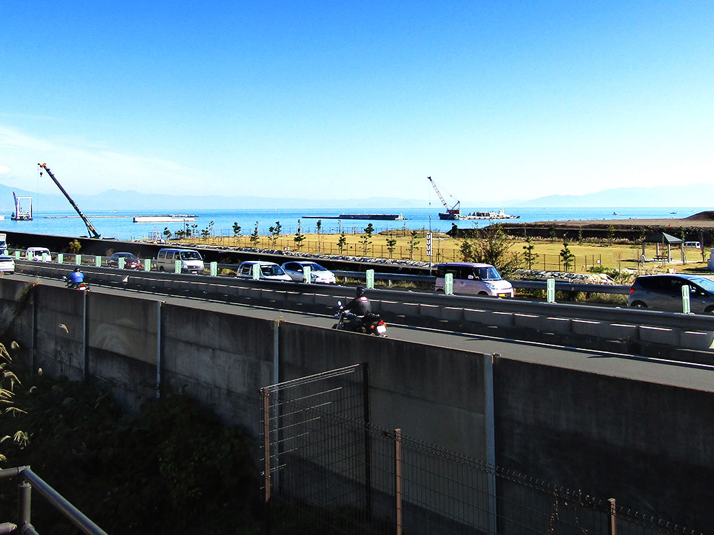 The modern-day Tokaido is a major highway overlooking Suruga Bay's active industrial area.