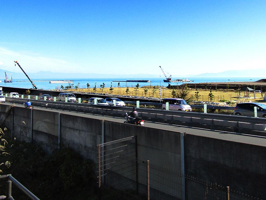 The modern-day Tokaido is a major highway overlooking Suruga Bay's active industrial area.