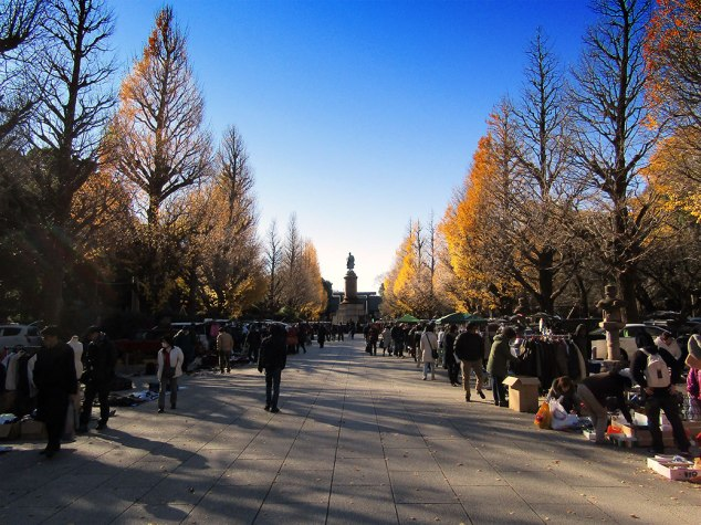 The path to Yasukuni Shrine was lined with vendors for the twice-monthly Yasukuni Flea Market