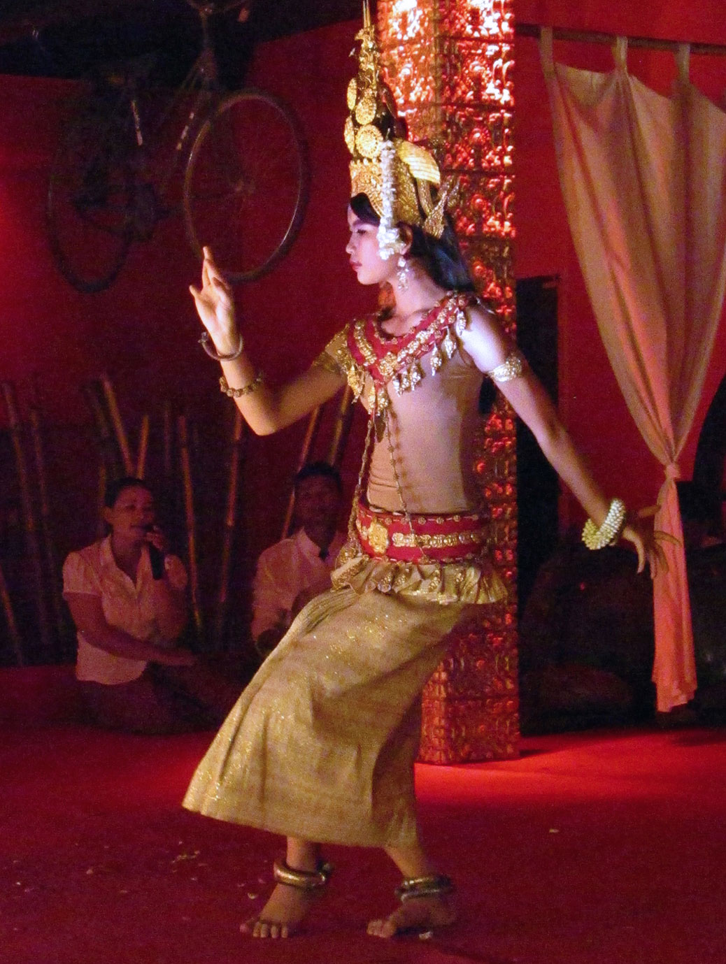 A free apsara dance performance at the Temple Balcony on Pub Street.
