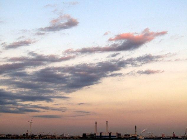 Yokohama Bay's industrial area at dusk