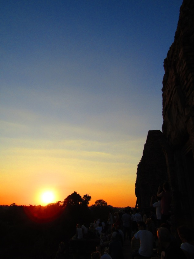 The amazing sunset from the top of Pre Rup.