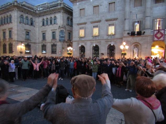 Dancing in Plaça de Sant Jaume.