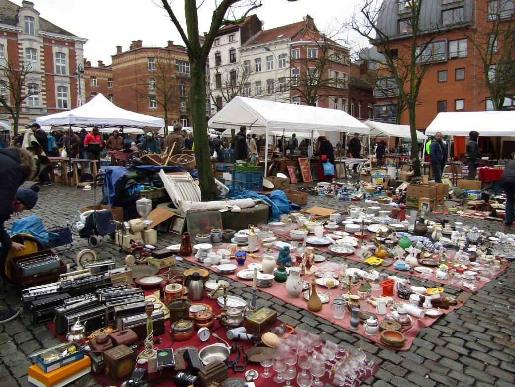 The insanity of Place du Jeu de Balle flea market.