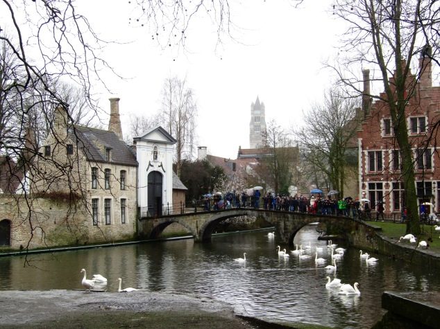 The Béguinage was built in the 1200s as a community for women who considered themselves devoutly religious, but did not want to become nuns. Since 1927, it's been a convent for Benedictine nuns.