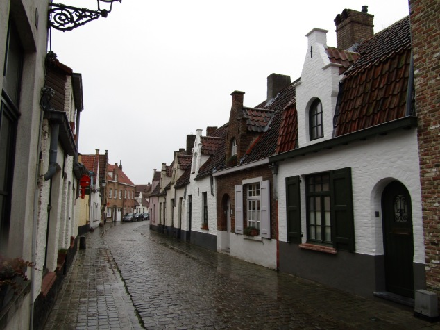 Another old neighborhood further from the town center. Many of the buildings here were built in the 1500-1600s, including a pub that celebrated its 500th anniversary in 2015.