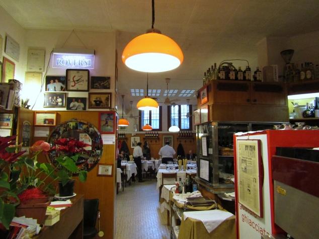 The lobby of Ristorante da Bertino e Figli.