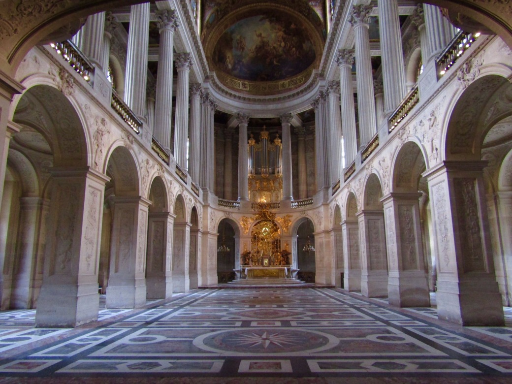Prior to the French Revolution, it was believed that the king was chosen by God. Louis XIV had the Royal Chapel built to allow the entire royal court to attend daily mass.