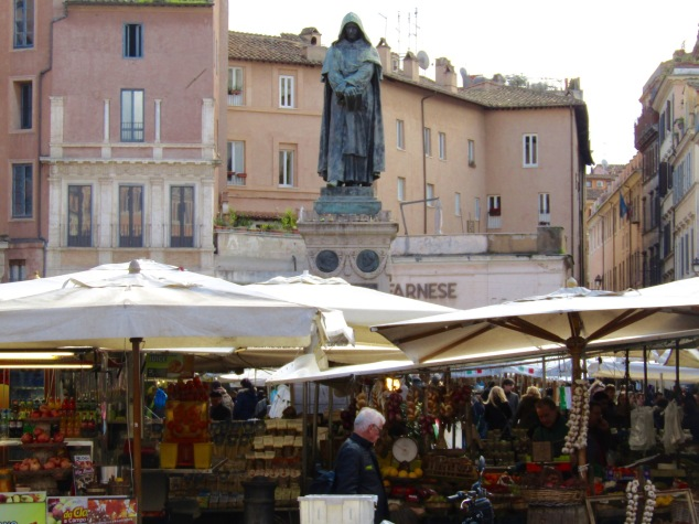 The statue of Giordano Bruno looks over the market in Campo de' Fiori.