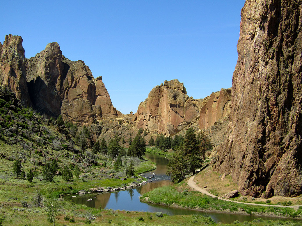 The Crooked River helped shape the current geography of Smith Rock.