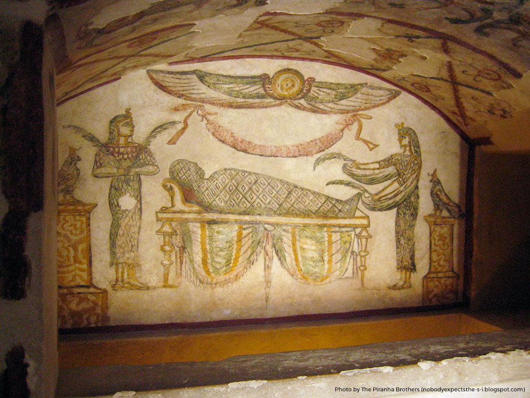 Greek style art in the main burial chamber of the catacombs.